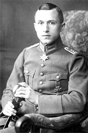 Ernst Jünger uniform